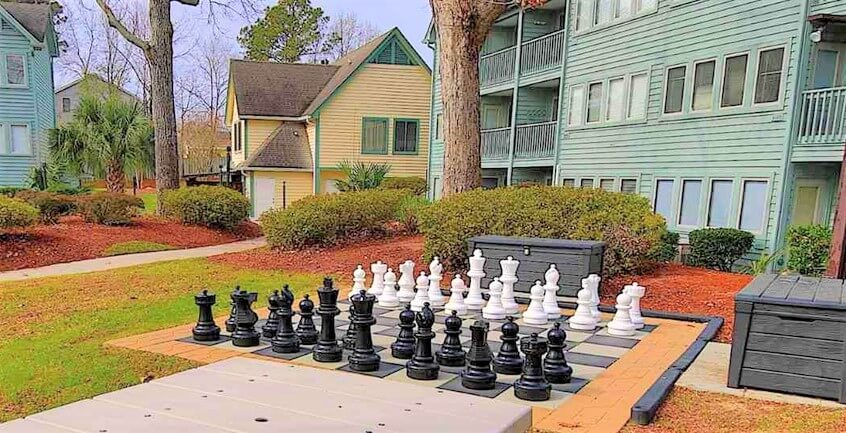 giant chess new